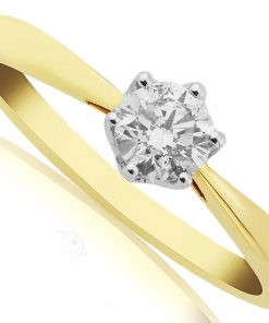 Stunning Yellow gold diamond solitaire engagement ring