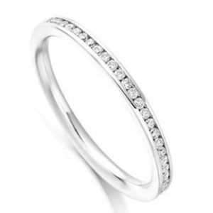 Eternity Ring Guide Meaning History How To Wear Valentina